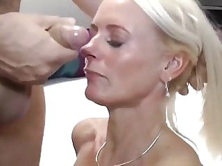 MUM with Photographer blowjob mature milf