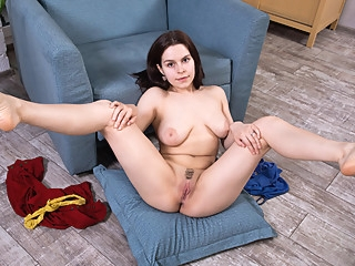 Ole Nina in Landing Strip - Nubiles big ass big tits brunette