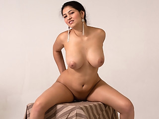 Ava Black in Busty Teen - Nubiles big ass big tits brunette