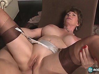 Bea Cummins In Cummins Has Deep Anal Sex anal big cock big tits