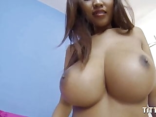 Shoot your sperm into my Asian pussy asian babe blowjob