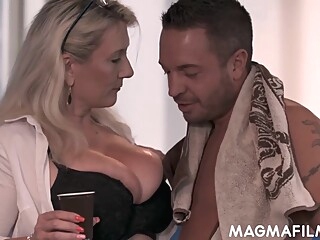 Sandy Big Boobs - Opportunity Makes Love In Hd big tits blonde cumshot